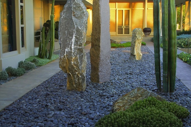 Courtyard by Isabelle Greene. Photo: Ines Roberts
