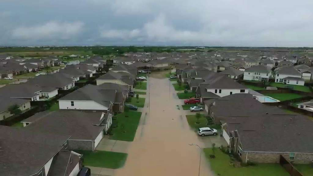 Click on this photo of the Morton Ranch subdivision in Katy, TX to see a Houston Chronicle slide show of the week's flooding.